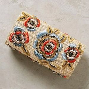 🆕 Anthropologie🌺 Floral Crystal Clutch